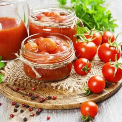 Ingredients for quick budget tomato soup